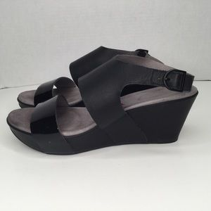 Tsubo leather upper comfortable wedge  sandals.